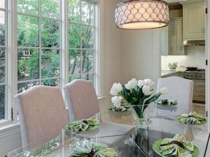 Dekoracje stołu w pełnym świetle