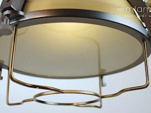 Reflektor w stylu industrialnym | Lampa, która rozświetli Twoje wnętrza