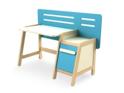 Biurka dla dzieci – modne wyposażenie wnętrz na Homebook.pl