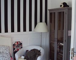 Dom Prowansalski - Mały biały czarny pokój dziecka dla chłopca dla dziewczynki dla nastolatka, styl prowansalski - zdjęcie od K.S.Project Katarzyna Sołtyńska-Nawratek