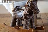Stylowy konik na biegunach - zabawka i dekoracja w jednym. - zdjęcie od KiddyFave.com - Homebook