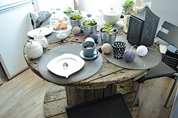 Stolik ze szpuli – jak zrobić stolik ze szpuli po kablach?