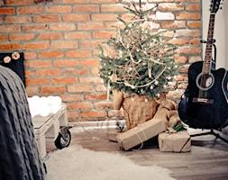 Święta w kolorze aksamitnej zieleni i miedzi - Biały salon, styl skandynawski - zdjęcie od My Sweet Dreaming Home - Homebook