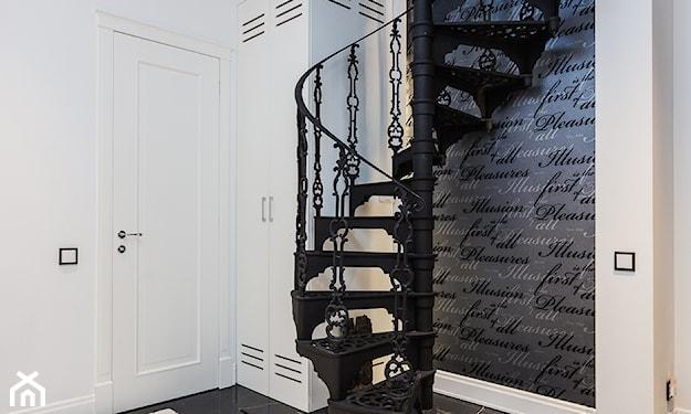 kręcone schody ażurowe