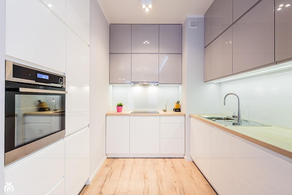 Jak urządzić kuchnię w kształcie litery  U ?  Homebook pl -> Kuchnia Z Okapem