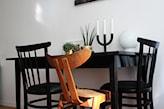 stół pomalowany na czarno