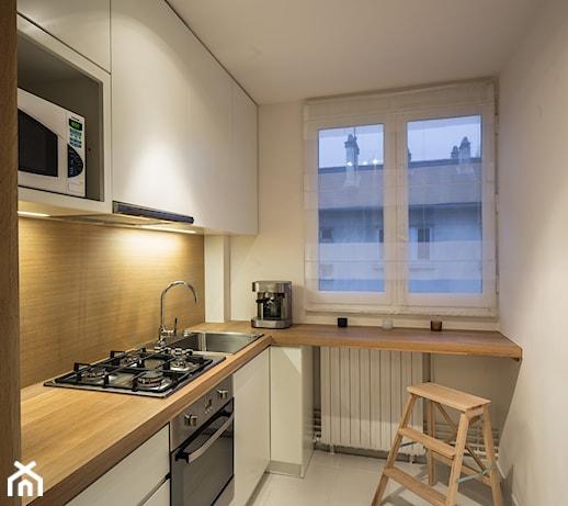 KUCHNIA&ŁAZIENKA FRANCJA  Mała zamknięta wąska kuchnia w kształcie liter