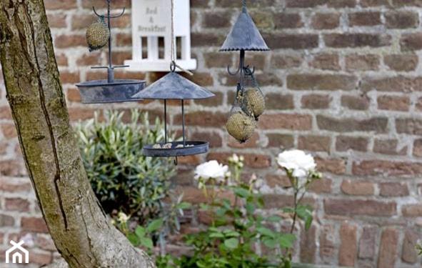Metalowe ozdoby do ogrodu