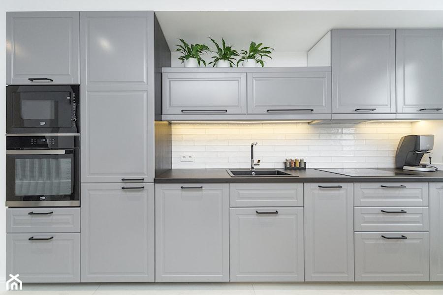 Szara kuchnia z Ikea  zdjęcie od ORANGE STUDIO -> Kuchnie Ikea Lódź