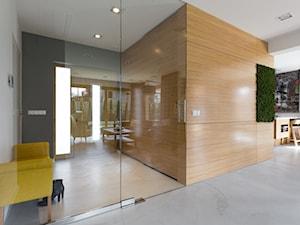 Dom w Jaworznie - Mały średni szary hol / przedpokój, styl nowoczesny - zdjęcie od ORANGE STUDIO