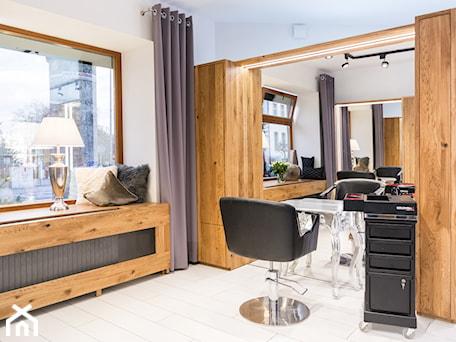 Aranżacje wnętrz - Wnętrza publiczne: Salon fryzjerski Świdnica - 28 FORM. Przeglądaj, dodawaj i zapisuj najlepsze zdjęcia, pomysły i inspiracje designerskie. W bazie mamy już prawie milion fotografii!