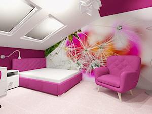 Poddasze- pokoje dziecięce - Duży biały fioletowy pokój dziecka dla dziewczynki dla ucznia dla nastolatka, styl nowoczesny - zdjęcie od ALI DECOR ALINA KOWALSKA PROJEKTOWANIE I ARANŻACJA WNĘTRZ