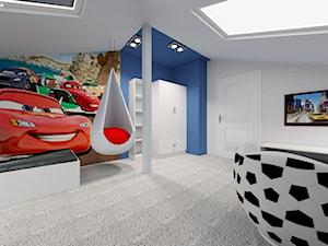 Poddasze- pokoje dziecięce - Duży biały niebieski pokój dziecka dla chłopca dla ucznia dla nastolatka, styl nowoczesny - zdjęcie od ALI DECOR ALINA KOWALSKA PROJEKTOWANIE I ARANŻACJA WNĘTRZ