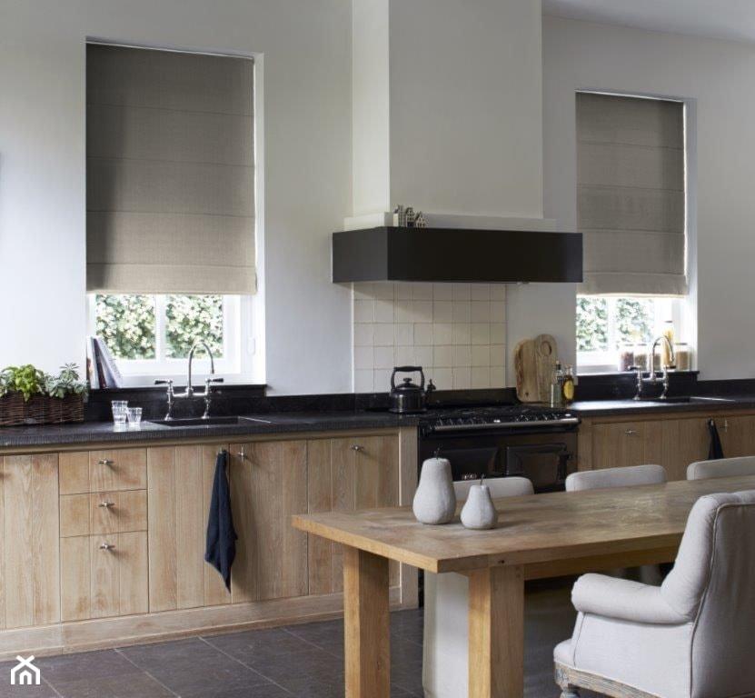 Zasłony rzymskie  Duża otwarta kuchnia w kształcie litery   -> Kuchnia Otwarta Z Oknem