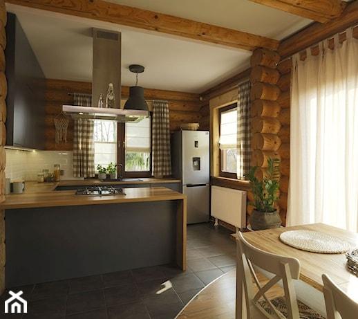 Rolety rzymskie, czyli funkcjonalna dekoracja okien. Sprawdź, czy sprawdzą się w Twoim domu!