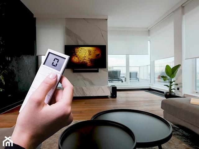 Osłony okienne sterowane elektrycznie – kiedy warto się na nie zdecydować?