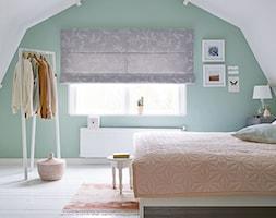 Zasłony rzymskie - Średnia duża sypialnia małżeńska, styl nowoczesny - zdjęcie od ANWIS Sp. z o.o.