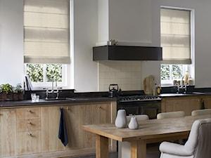 Inspiracje - Duża otwarta biała kuchnia z oknem, styl vintage - zdjęcie od ANWIS Sp. z o.o.