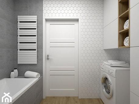 Aranżacje wnętrz - Łazienka: Projekt łazienki 5 m2 / Kraków - Mała biała szara łazienka w bloku bez okna, styl minimalistyczny - BIG IDEA studio projektowe. Przeglądaj, dodawaj i zapisuj najlepsze zdjęcia, pomysły i inspiracje designerskie. W bazie mamy już prawie milion fotografii!