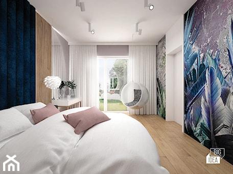 Aranżacje wnętrz - Sypialnia: Projekt willi 300 m2 cz. II / Bochnia - Średnia biała szara sypialnia małżeńska z balkonem / tarasem, styl nowoczesny - BIG IDEA studio projektowe. Przeglądaj, dodawaj i zapisuj najlepsze zdjęcia, pomysły i inspiracje designerskie. W bazie mamy już prawie milion fotografii!