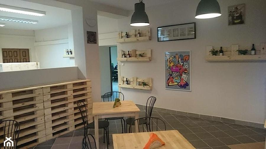 Wine Bar z palet i skrzynek - zdjęcie od FabrykaPalet - homebook
