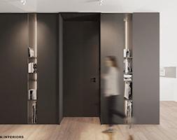 Aranżacja holu mieszkania, biblioteka, zabudowa meblowa na wymiar - zdjęcie od Alina Shevchenko Interiors - Homebook