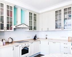 Kuchnia z widokiem panoramicznym w stylu klasyki amerykańskiej - zdjęcie od Alina Shevchenko Interiors - Homebook