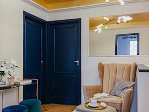 Fotele wybrane przez influencerki - Hol / przedpokój, styl eklektyczny - zdjęcie od Fabryka Mebli GALA COLLEZIONE
