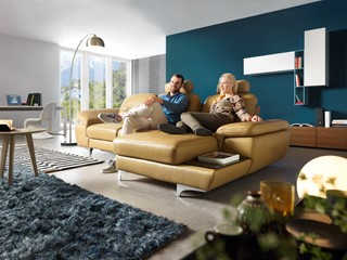 Sofa – miejsce, wokół którego toczy się życie