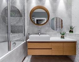 DOM RODZINNY GDAŃSK - Średnia szara kolorowa łazienka, styl nowoczesny - zdjęcie od STUDIO FORMA