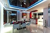 nowoczesna kuchnia z podwieszanym sufitem