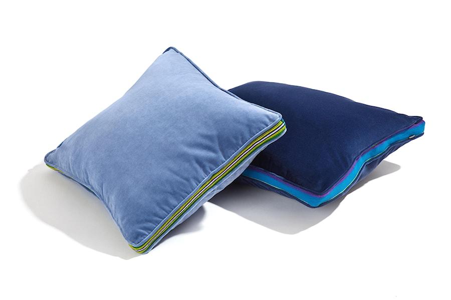 Duże aksamitne, ozdobne poduszki z elemntem ręcznie tkanym. - zdjęcie od Folka