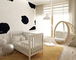 Pokój dziecka w łaty - Średni biały beżowy pokój dziecka dla chłopca dla dziewczynki dla niemowlaka dla malucha, styl tradycyjny - zdjęcie od KI design Katarzyna Iwańska