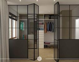 SKANDYNAWSKI MINIMALIZM. - Średnia garderoba z oknem przy sypialni, styl skandynawski - zdjęcie od KWojciechowska Studio