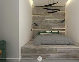 LOFTOWY CHARAKTER. - Mała szara sypialnia małżeńska, styl industrialny - zdjęcie od KWojciechowska Studio