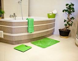 Średnia biała beżowa łazienka w domu jednorodzinnym - zdjęcie od Galicja dla Twojego Domu