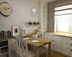 Kuchnia metamorfoza w stylu prowansalsko skandynawskim - Średnia otwarta biała kolorowa kuchnia w kształcie litery l w aneksie, styl prowansalski - zdjęcie od Grafika i Projekt architektura wnętrz