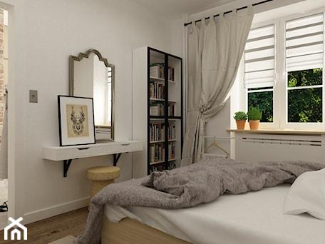 Aranżacje wnętrz - Sypialnia: metamorfoza mieszkania 50 m2 w kamienicy - Mała biała sypialnia małżeńska, styl skandynawski - Grafika i Projekt architektura wnętrz. Przeglądaj, dodawaj i zapisuj najlepsze zdjęcia, pomysły i inspiracje designerskie. W bazie mamy już prawie milion fotografii!
