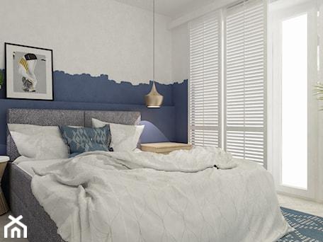 Aranżacje wnętrz - Sypialnia: projekty pojedynczych pomieszczeń - Średnia biała niebieska sypialnia małżeńska, styl skandynawski - Grafika i Projekt architektura wnętrz. Przeglądaj, dodawaj i zapisuj najlepsze zdjęcia, pomysły i inspiracje designerskie. W bazie mamy już prawie milion fotografii!