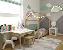 mieszkanie z miętą 80m2 - Mały biały szary różowy zielony pokój dziecka dla dziewczynki dla malucha, styl skandynawski - zdjęcie od Grafika i Projekt architektura wnętrz