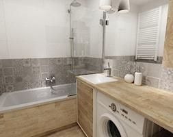 łazienki w stylu skandynawskim - Mała biała szara łazienka w bloku bez okna, styl skandynawski - zdjęcie od Grafika i Projekt architektura wnętrz