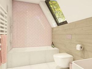 ŁAZIENKA dla dziewczynek - Mała szara różowa łazienka na poddaszu w domu jednorodzinnym z oknem - zdjęcie od Magdalena Tomczak - Architekt wnętrz