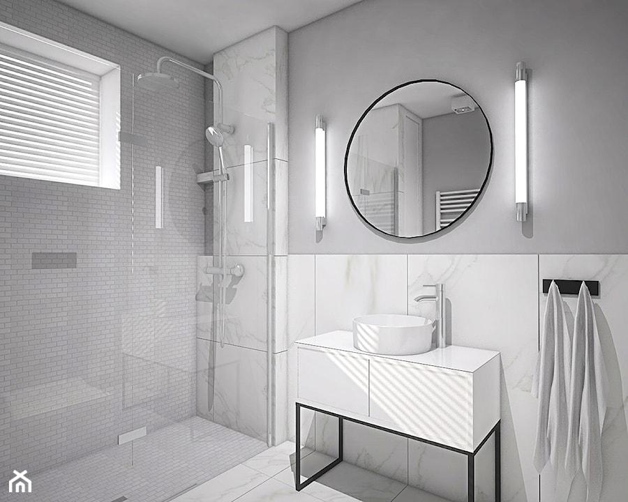 """Projekt wnętrz w """"kostce"""" - Mała biała szara łazienka w bloku w domu jednorodzinnym z oknem, styl n ... - zdjęcie od Antracyt"""