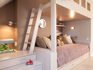 POKÓJ DZIECIĘCY - Średni szary beżowy pokój dziecka dla chłopca dla dziewczynki dla rodzeństwa dla malucha, styl nowoczesny - zdjęcie od MARTA PERSKA INTERIORS