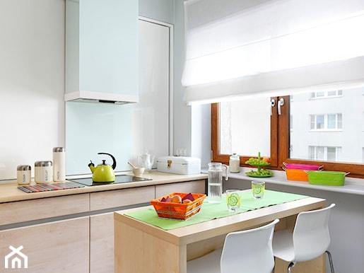 kuchnia z radosną, zieloną nutą