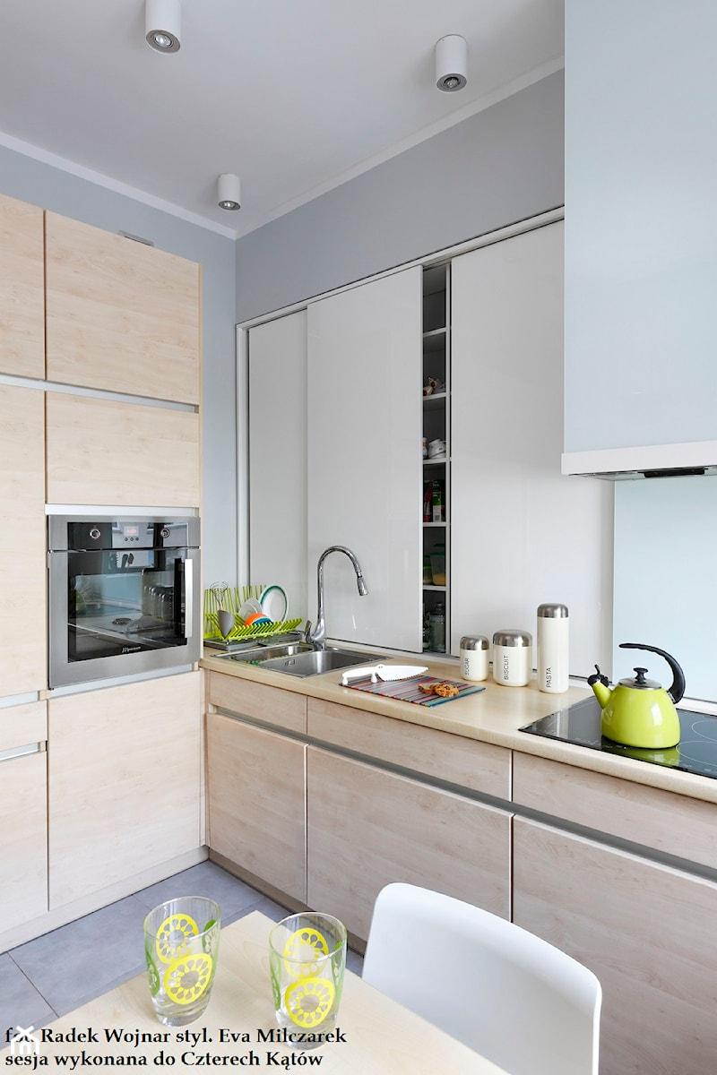 Projekt 2 Srednia Otwarta Biala Niebieska Kuchnia W Ksztalcie