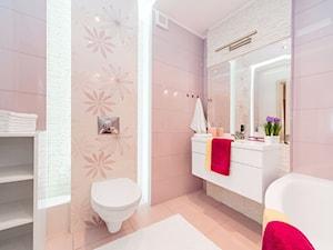 Średnia różowa łazienka bez okna, styl tradycyjny - zdjęcie od Joanna Sokołowska 4