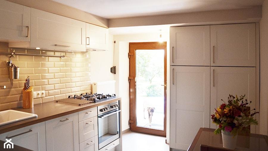 Jasna kuchnia  zdjęcie od SPOIWO studio -> Kuchnia Jasna Polysk