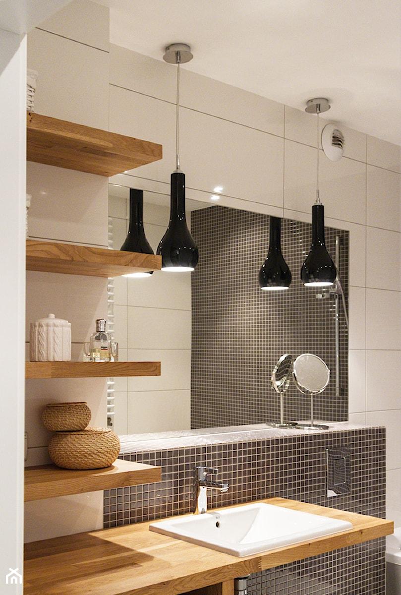 łazienka Z Drewnem I Mozaiką Zdjęcie Od Spoiwo Studio