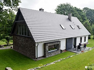 Rodzaje pokryć dachowych. Poznaj najważniejsze wady i zalety najpopularniejszych materiałów